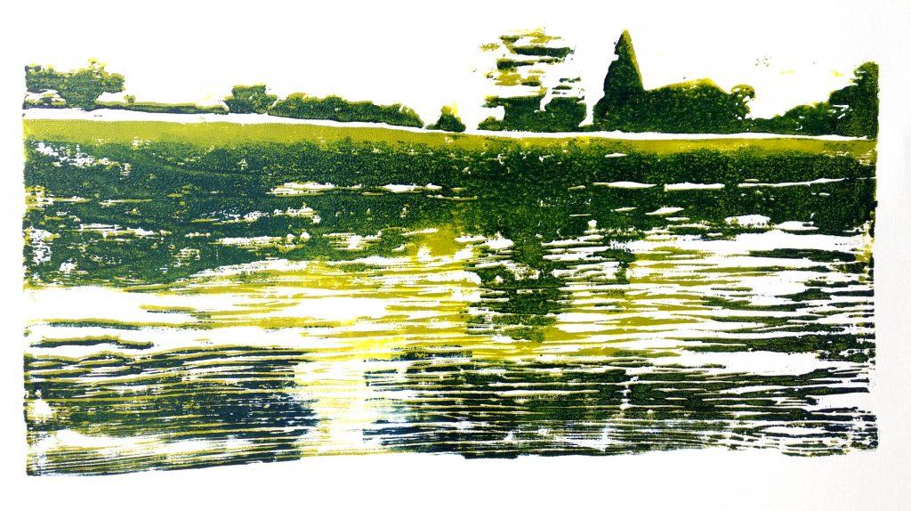 Am Ufer sitzend mit Blick auf mein Dorf